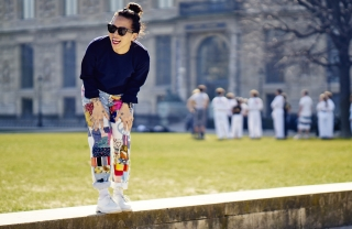 Olivia Kim in the Tuileries in Lees